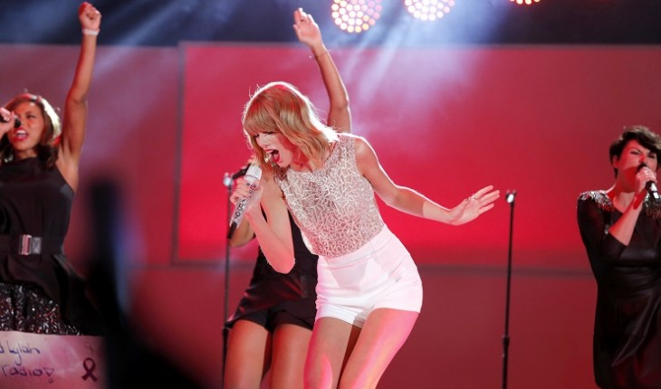 "Taylor Swift Silences ""Welcome to New York"" Critics, Donates to Public Schools"