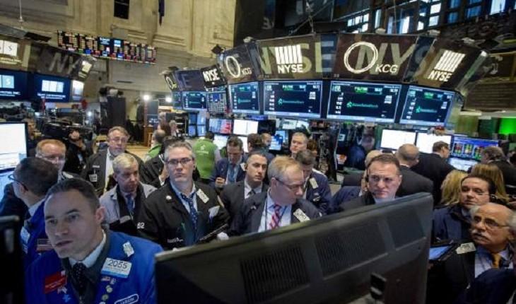 Wall St. set for flat open; Yellen, data on tap