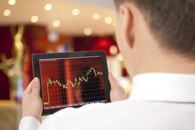 Selling shares online vs through a full service broker